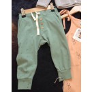 Pants small arrow