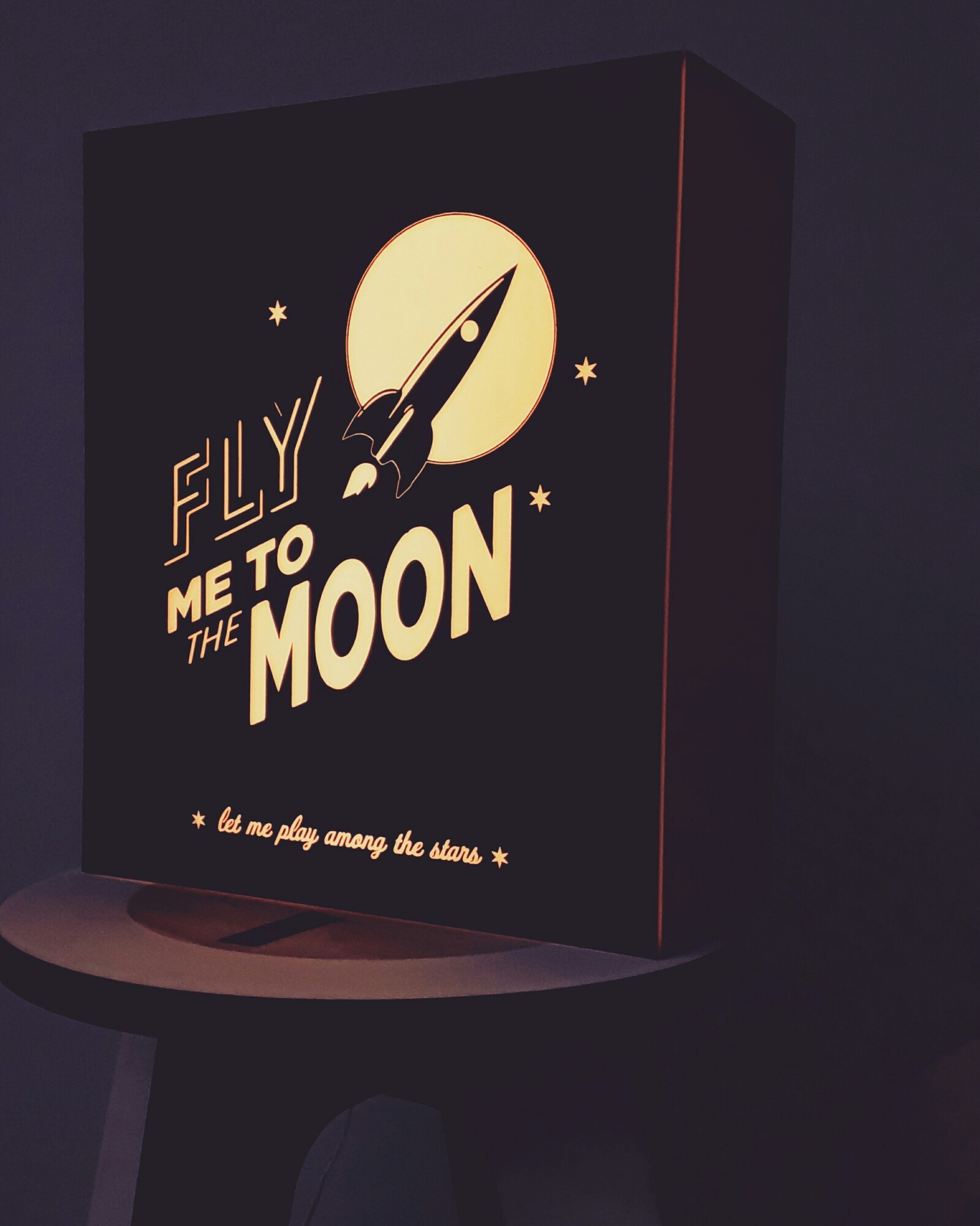 Fly me to ... Lightbox