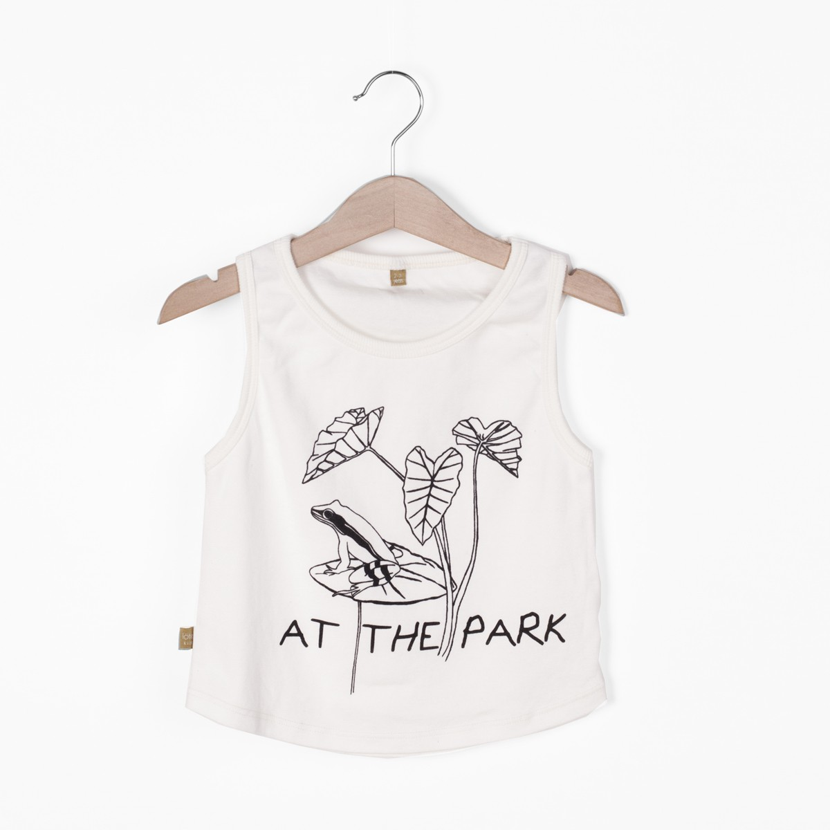 Tanktop at the park